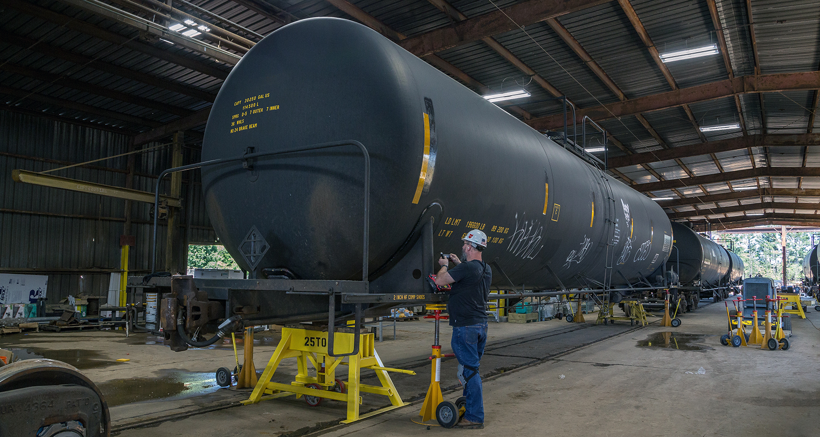 Derailing Deficient Tank Car Inspections with Better ACFM® Solution
